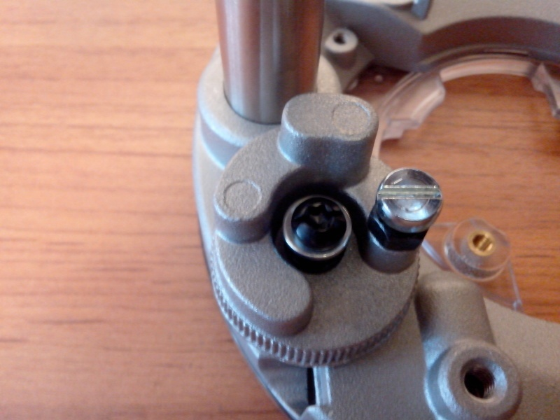 Обзор фрезера DeWALT D26204K - фото 23