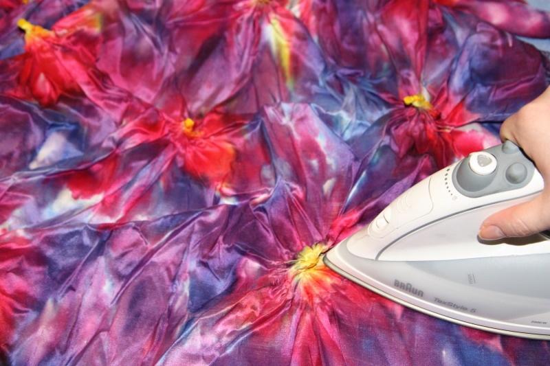 Окрашивание ткани в технике узелковый батик - фото 5