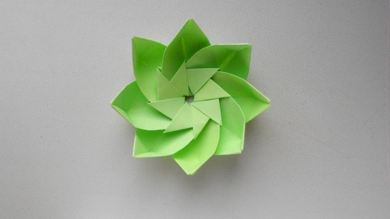 Цветок из бумаги. Оригами подарок украшение на 8 марта, день влюбленных - фото 1