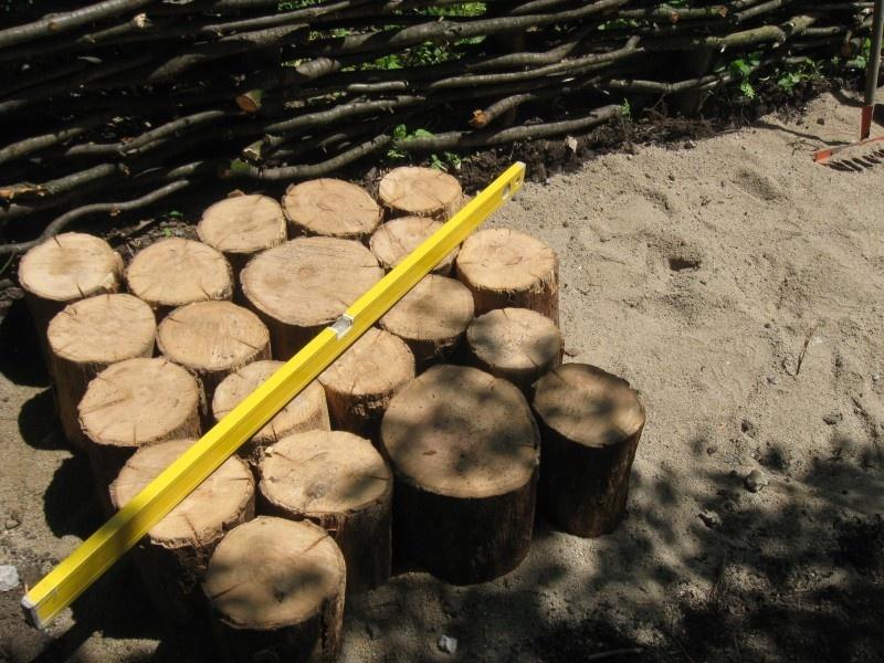 Изготовление садовой дорожки из бревен - фото 4