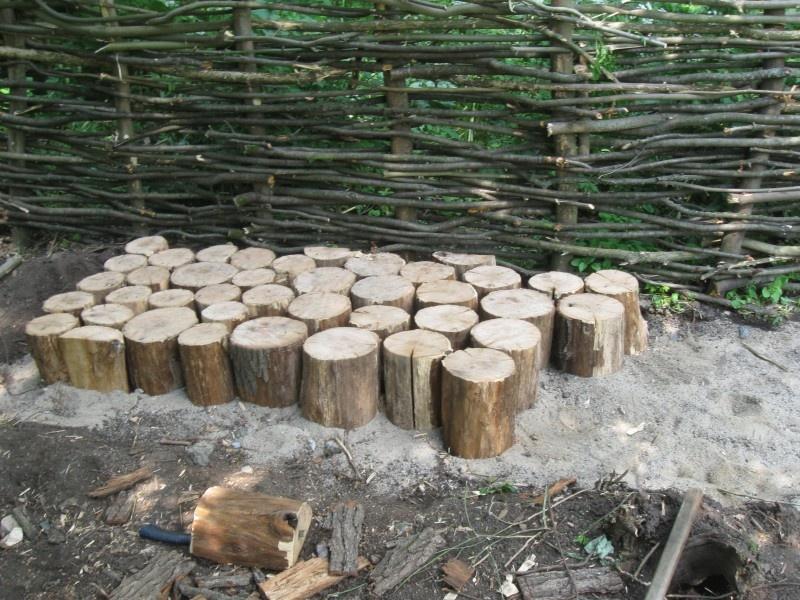 Изготовление садовой дорожки из бревен - фото 5