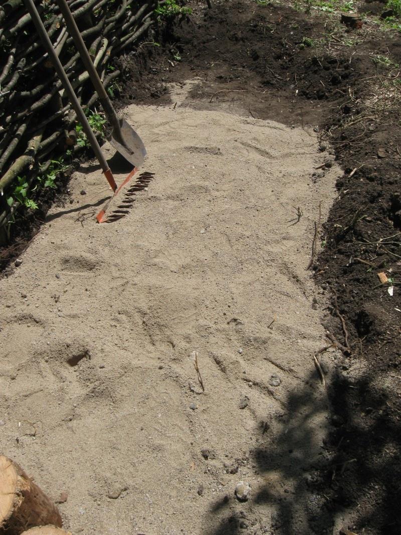 Изготовление садовой дорожки из бревен - фото 2
